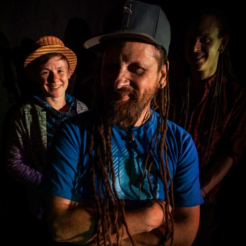 """CHRIS DUBFLOW & THE HORNS OF ZION - WISE UP  """"LIVE"""""""