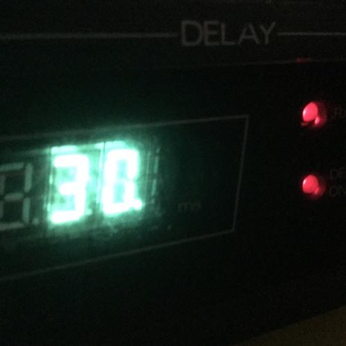 Roland SDE-1000 Digital Delay Demo