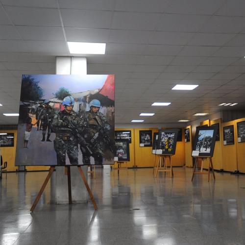 Baixar Exposição conta a trajetória do exército brasileiro na missão de paz no Haiti