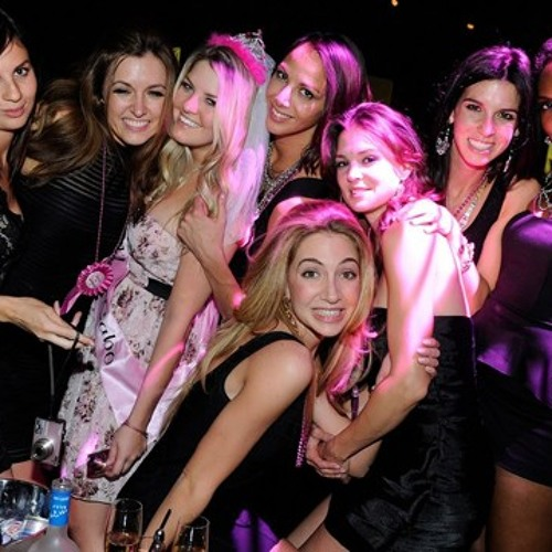 Girls night out club vids — img 2