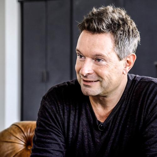 EPISODE# 15: Thomas Sterchi (Serial Entrepreneur & Founder Jobs.ch)