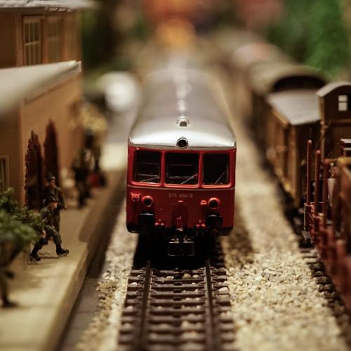 כאן ועכשיו - 153 - חרדים, רכבת, שבת ואנחנו - פודקאסט עם הרב אורי שרקי