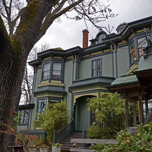 Homes That Are Galleries: The Spencer Mansion