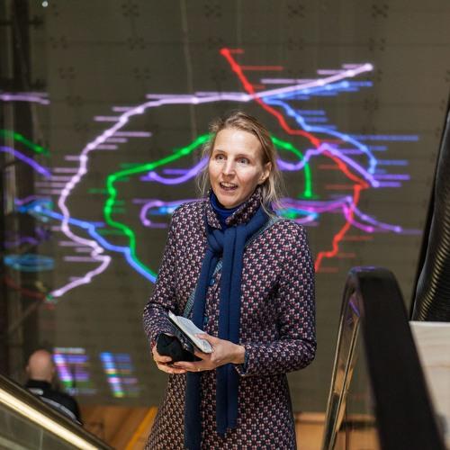 'De 52' podcast #5: Met Marjan Laaper over haar Ramses Shaffy-kunstwerk in station Vijzelgracht