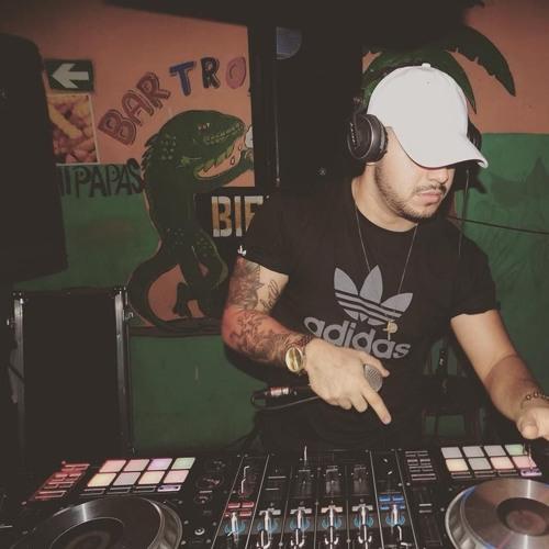 "DjFrank LIVE - Bataan Limon At Sport Bar Luis - B- Day ""Chattaman""."