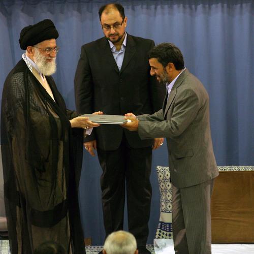 خامنه ای علیه احمدینژاد