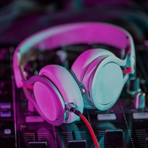 escuchar y descargar musica electronica