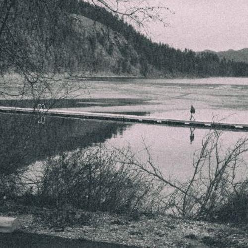 Kenarında Gölün
