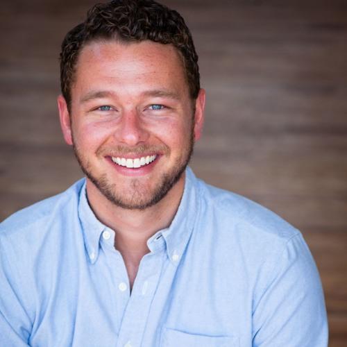 #29 -- Luke Saunders, CEO of Farmer's Fridge, the Next Wave of Healthy Food Distribution