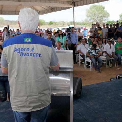 Entrevista na entrega da pavimentação da BR-316 em Canapi, Alagoas