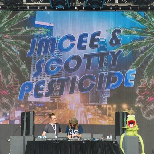 Jmcee & Scotty Pesticide @ Fatboy Slim on St. Kilda beach. January 2018