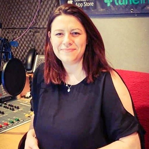Laura Barnes Essential 90's on Cannock Chase Radio FM - Friday 26th January 2018