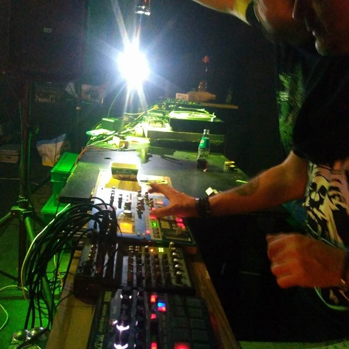 SuBuRbASs live @ Machinery_Mayapur freeparty_2.02.2K18