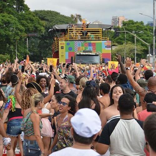 Nos casos de assédio no carnaval, como a gente pode se defender e denunciar?
