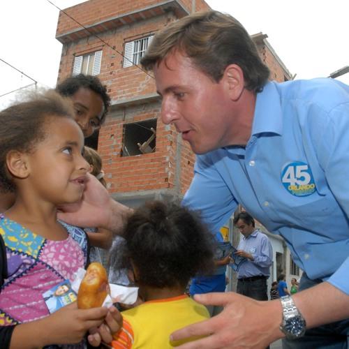 Prefeito de São Bernardo ignora orientação de MP e continua usando aulas como postos