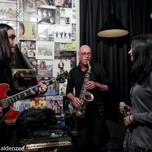 Krosswindz Live at Walrus Pub Amsterdam featuring Jan Kooper on Saxophone