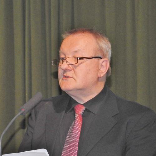 Predavanje dr. Bogdana Dolenca na posvetu o dr. Grivcu in dr. Perku