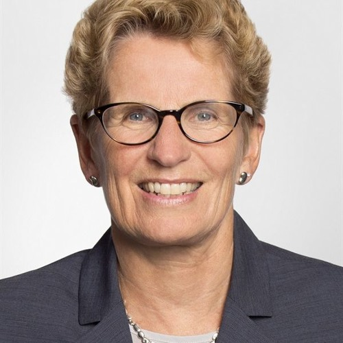 Kathleen Wynne tells students to vote or old white people will
