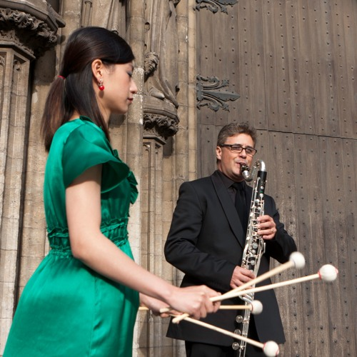 Duo Antwerp plays Searching (marimba and bass clarinet) by Wim Henderickx