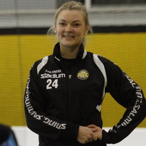 Mia Karjalainen sai salibandytaitonsa jo äidinmaidossa.