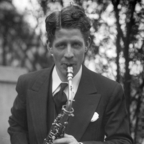 Rudy Vallee Tells The Story of How He Started on NBC