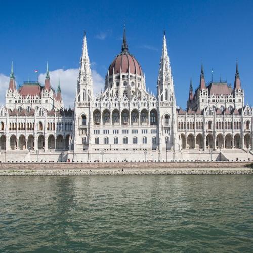 02: Sag mal ... ein Gespräch über die Wahl in Ungarn mit den Landsleuten