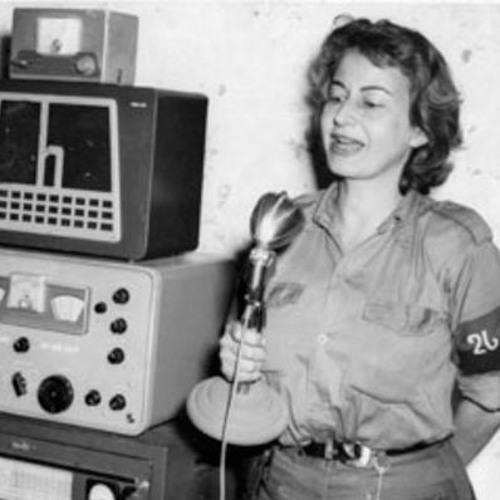 A voz como arma revolucionária: Violeta Casal e a Rádio Rebelde