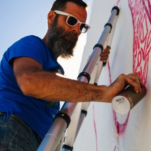 The Artist Who Paints Love
