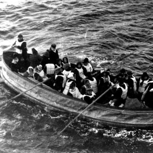 Experience the Titanic Disaster on the Evening of April 14, 1912