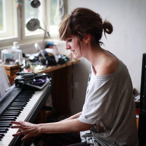 Rozhovor se zpěvačkou Klárou Vytiskovou o autech a muzice..!