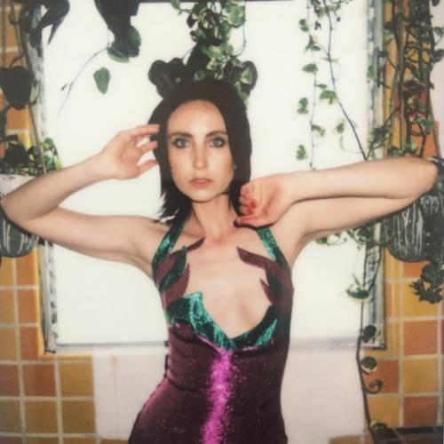 Download: Wendy Bevan - Falling