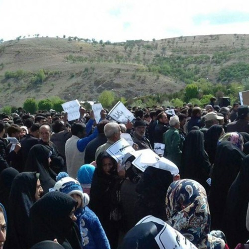 تجمع اعتراضی در چهارمحال بختیاری در اعتراض به طرحهای انتقال آب زایندهرود