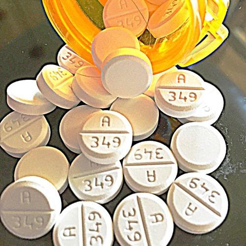 Pills - FinessoThePlug X 20bags$ (Prod.NevzBeats)