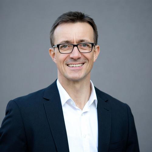 Oliver Neumann | Bessere Patientenversorgung - Wenn Mediziner zu Unternehmern werden