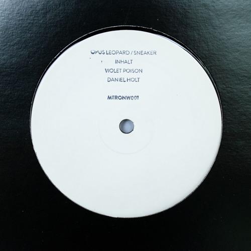Mechatronica White 1: Inhalt, Violet Poison, Opus Leopard/Sneaker, Daniel Holt