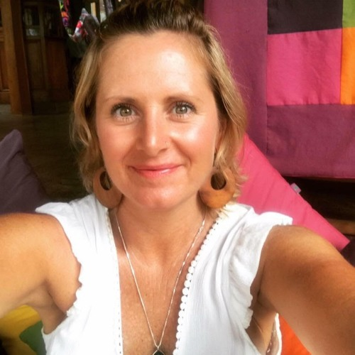 #8 Beck Hall on the journey to yoga, thriving with cancer & body wisdom