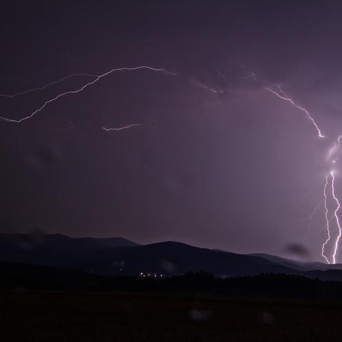 20180606 AtmoThunderstorm Rain And Thunder Short LR.WAV