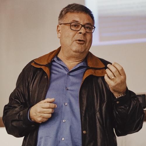 """""""Precisamos de cursos técnicos e de requalificação profissional"""" Gerson Sartori"""