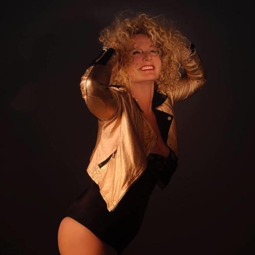 1. KSYRAN - Shake That Booty (StoneBridge & Damien Hall Extended Mix)