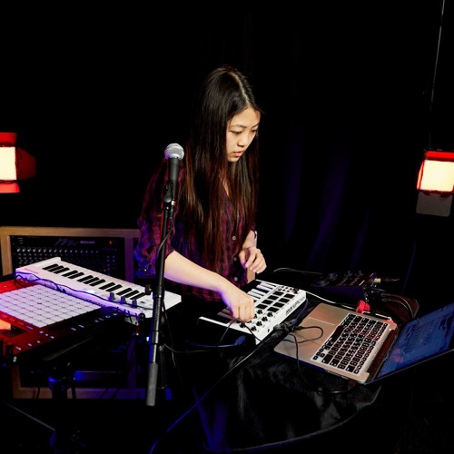 Student Claire Marie Lim, a.k.a. Dolltr!ck, Paints Electronic Soundscapes with Computer