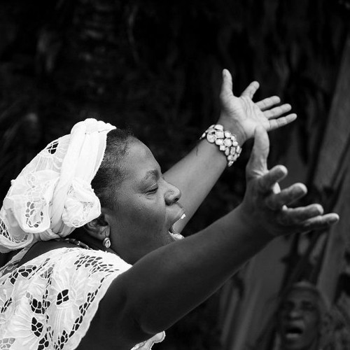 Violência contra religiões afro-brasileiras é denunciada à ONU