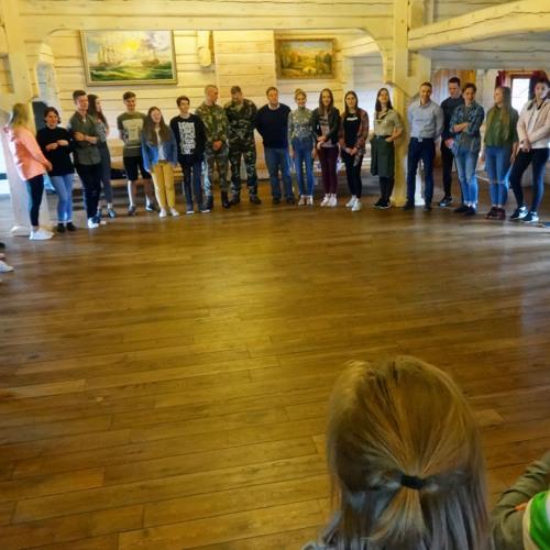 FM99: apie tarptautinę jaunimo vasaros mokyklą (interviu su D. Radzevičiumi)