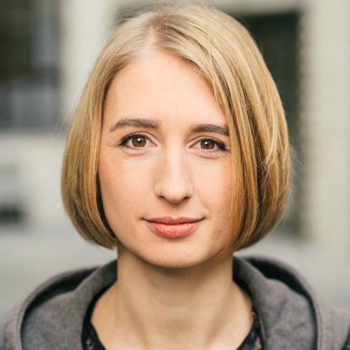 Warum Arbeiten ohne Hierarchien besser ist - mit Carolin Silbernagl