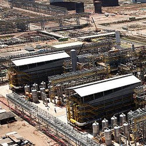 Preço da gasolina poderia ser bem menor sem afetar lucro da Petrobras