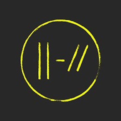 twenty one pilots : Nico and the Niners (muffled audio)