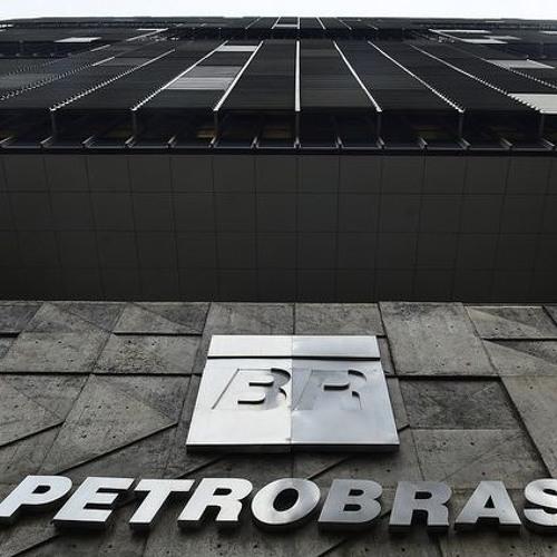 """Crise financeira da Petrobras é """"fake news"""" para vender ativos, afirma economista"""