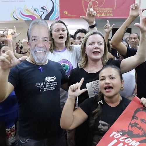 Em Cuba, manifestação popular pede liberdade para Lula