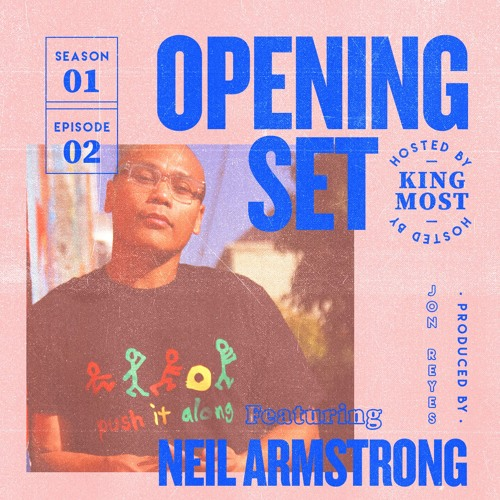 Opening Set S01E02: Neil Armstrong