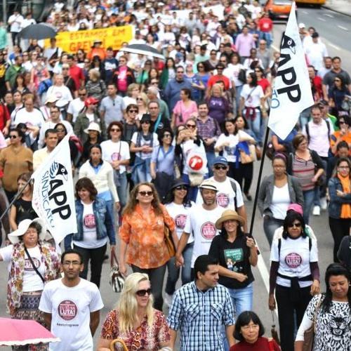 Governo do Paraná persegue professores por manifestações