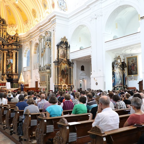 """Bischof Stefan Oster bei """"Meet Mission Manifest"""" in der Basilika St. Anna in Altötting"""